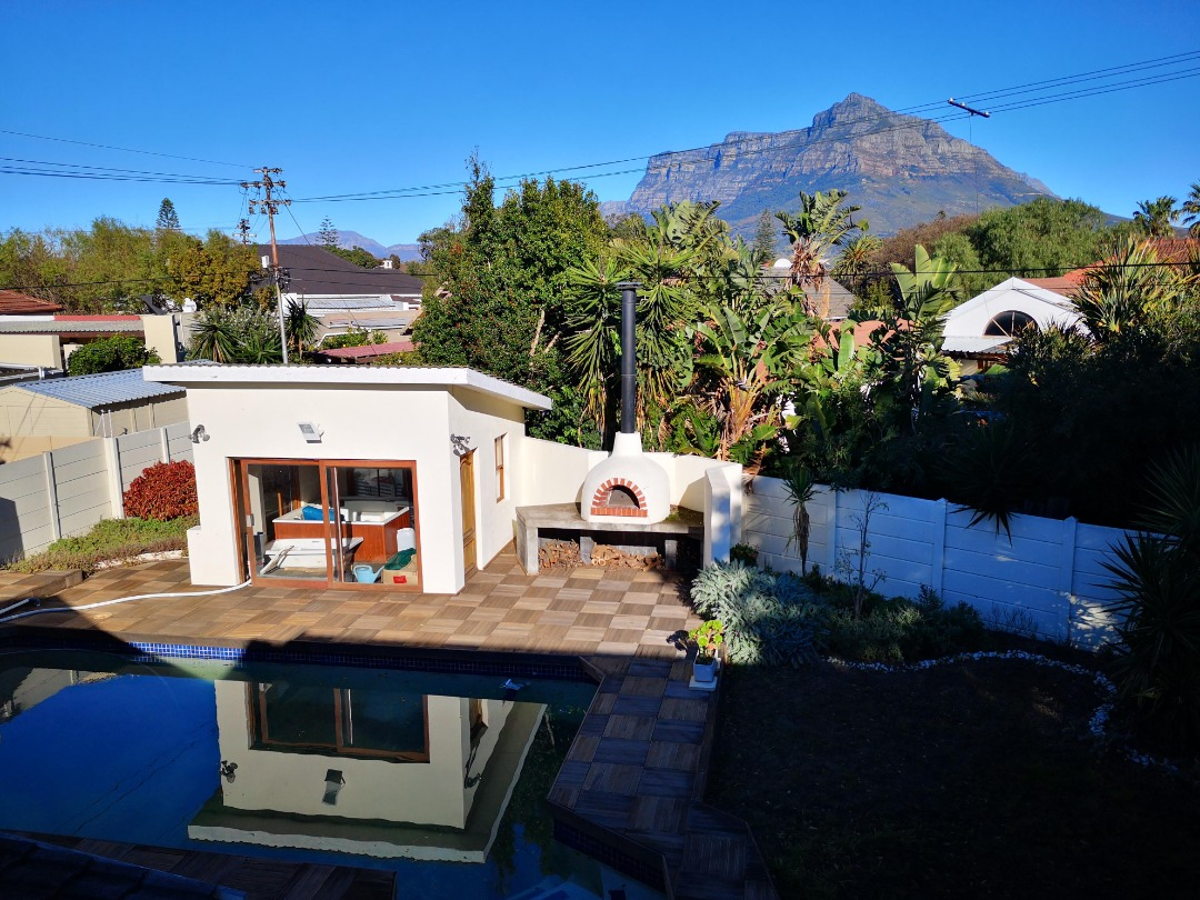 Large 7 Bedroom house for SALE