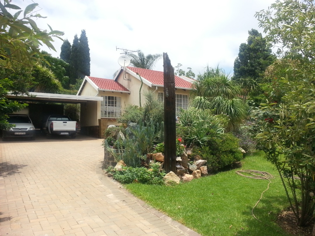 Lovely panhandle family home with amazing garden