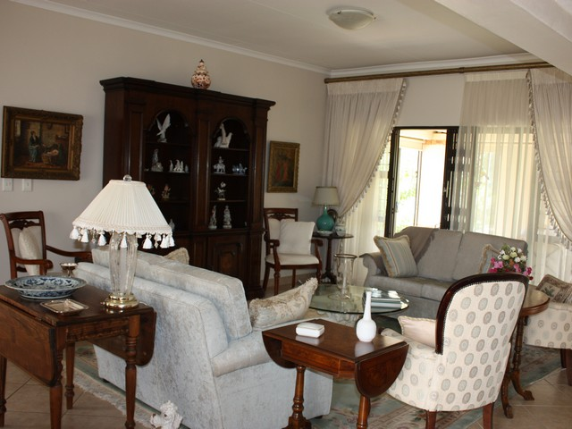 WELL PRICED - Splendid Retirement Home in The Retreat at Hazeldean