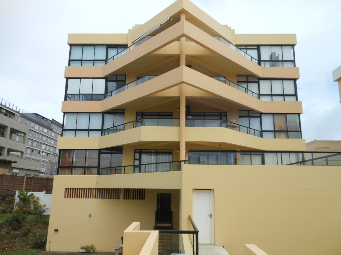 Top floor aparment, stunning sea views on the beach Fully Furnished