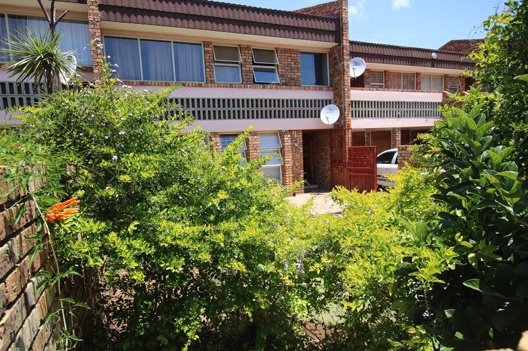3 BedroomTownhouse Pending Sale In Middelburg