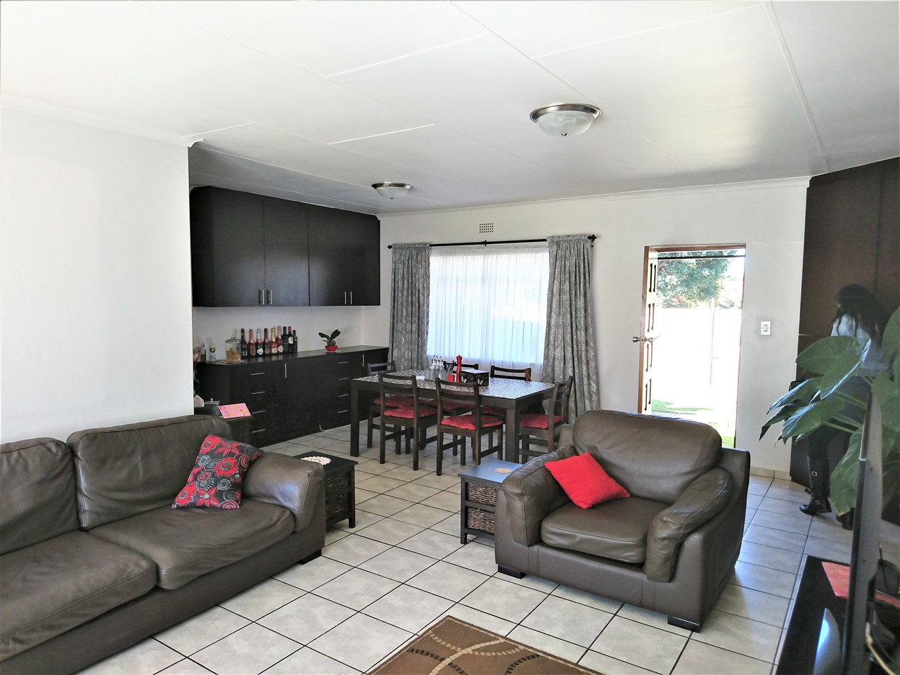 3 Bedroom House for sale in Brackendowns ENT0031078 : photo#1