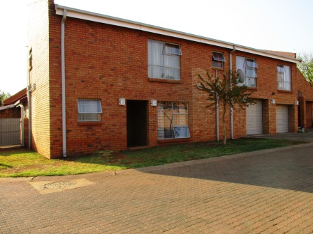 4 Bedroom House for sale in Clubview ENT0066765 : photo#0