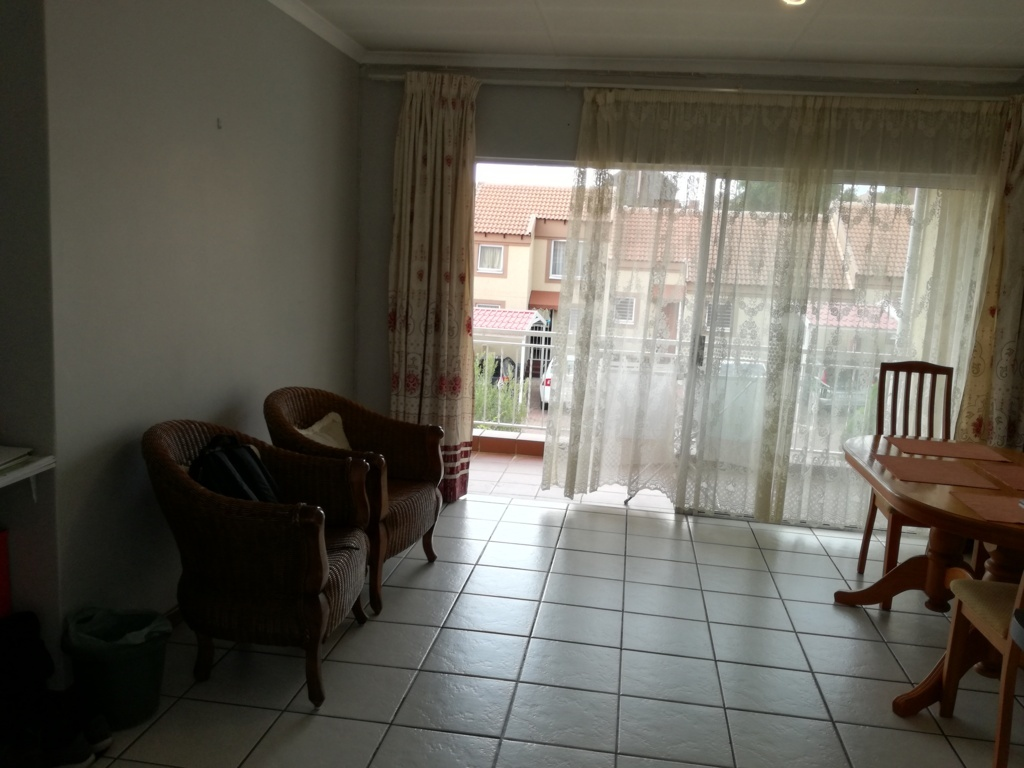 2 Bedroom Townhouse for sale in Sunninghill ENT0084557 : photo#9