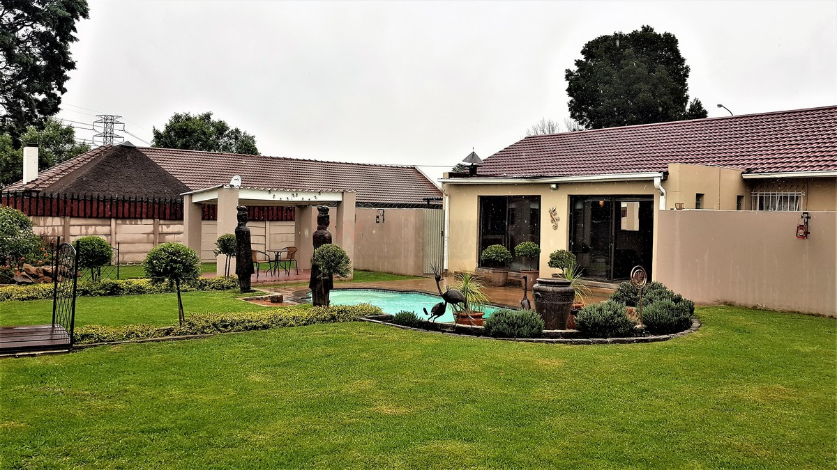 3 Bedroom House for sale in Verwoerdpark ENT0084632 : photo#0