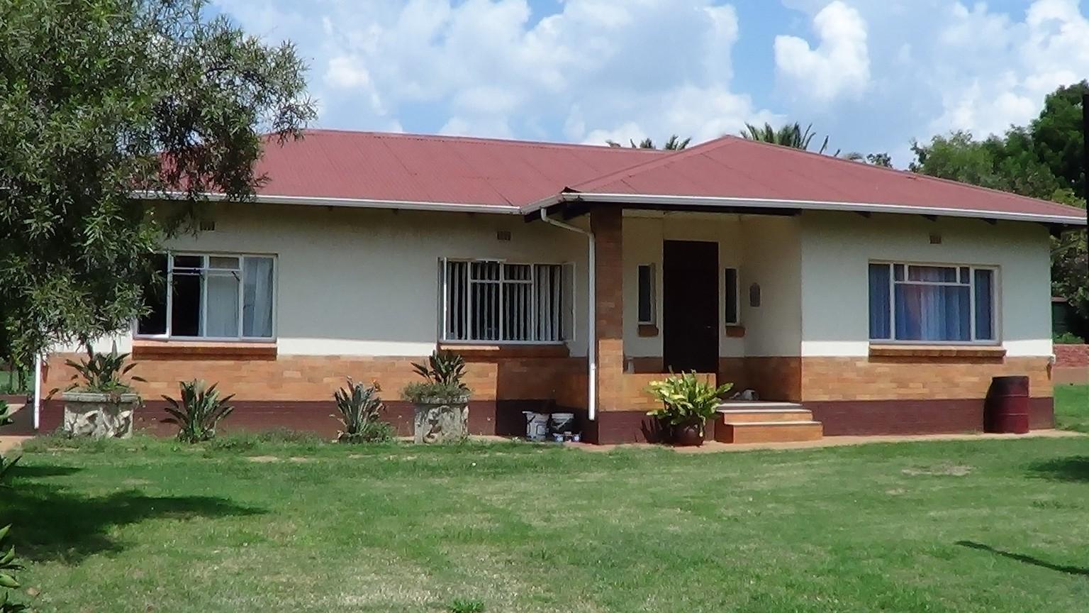 Massive Property including 3 Cottages