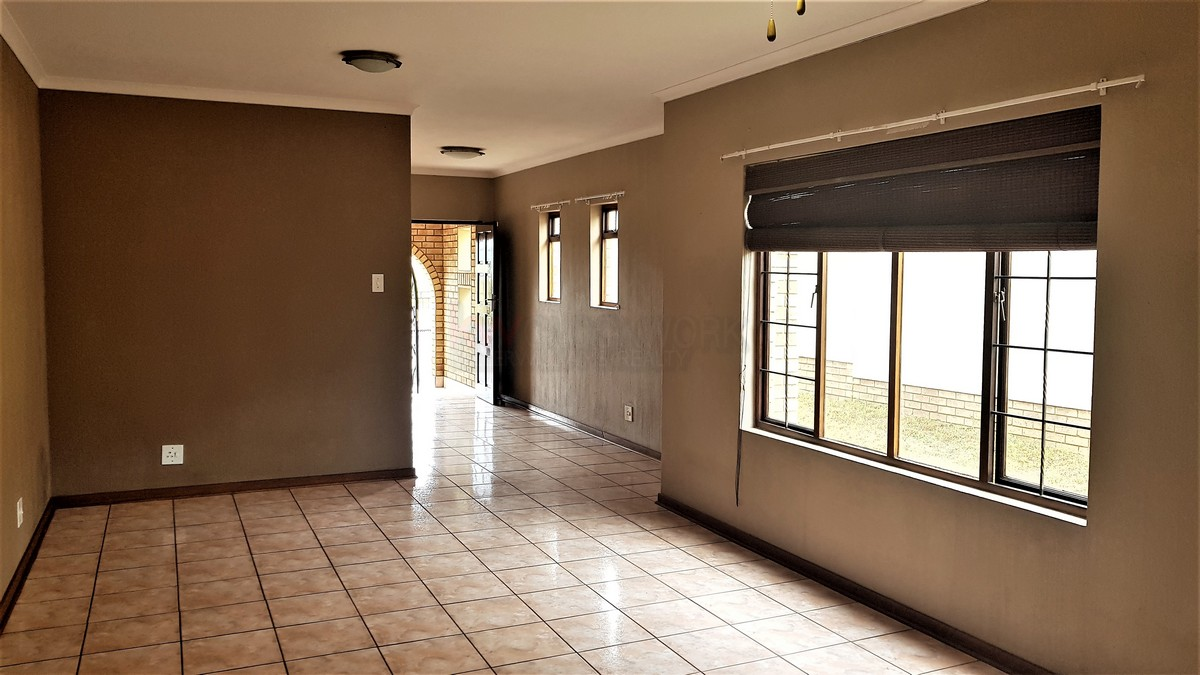 3 Bedroom House for sale in South Crest ENT0086991 : photo#9