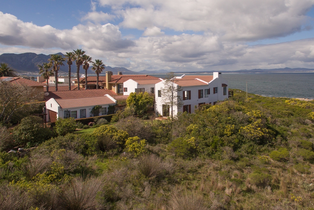 5 BedroomHouse For Sale In Westcliff