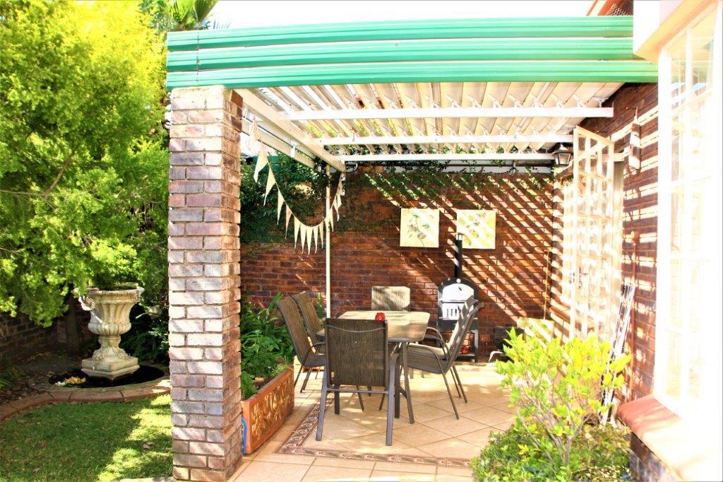 3 Bedroom Townhouse for sale in Eldoraigne ENT0032709 : photo#2