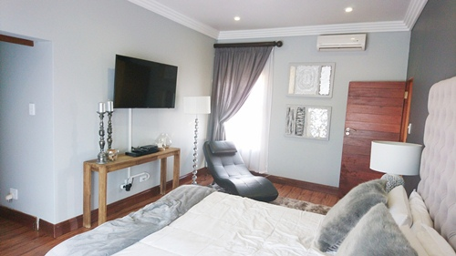 4 Bedroom House for sale in Olympus ENT0079759 : photo#15
