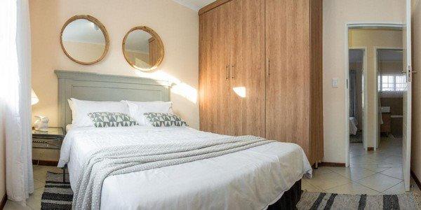 2 bed Top Floor apartment in Sagewood