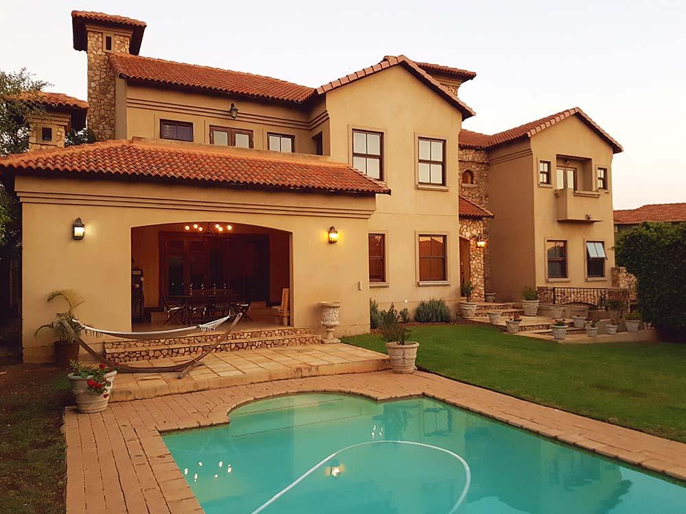 5 Bedroom Mansion for Sales in Silver Stream Estate