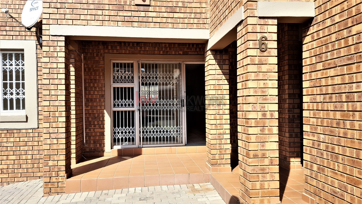2 Bedroom Town House for Sale in Meyersdal