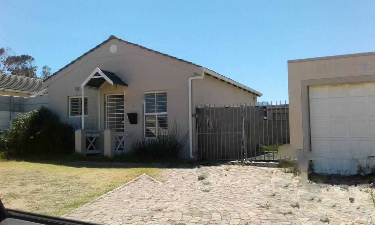 2 BedroomHouse For Sale In Victoria Park