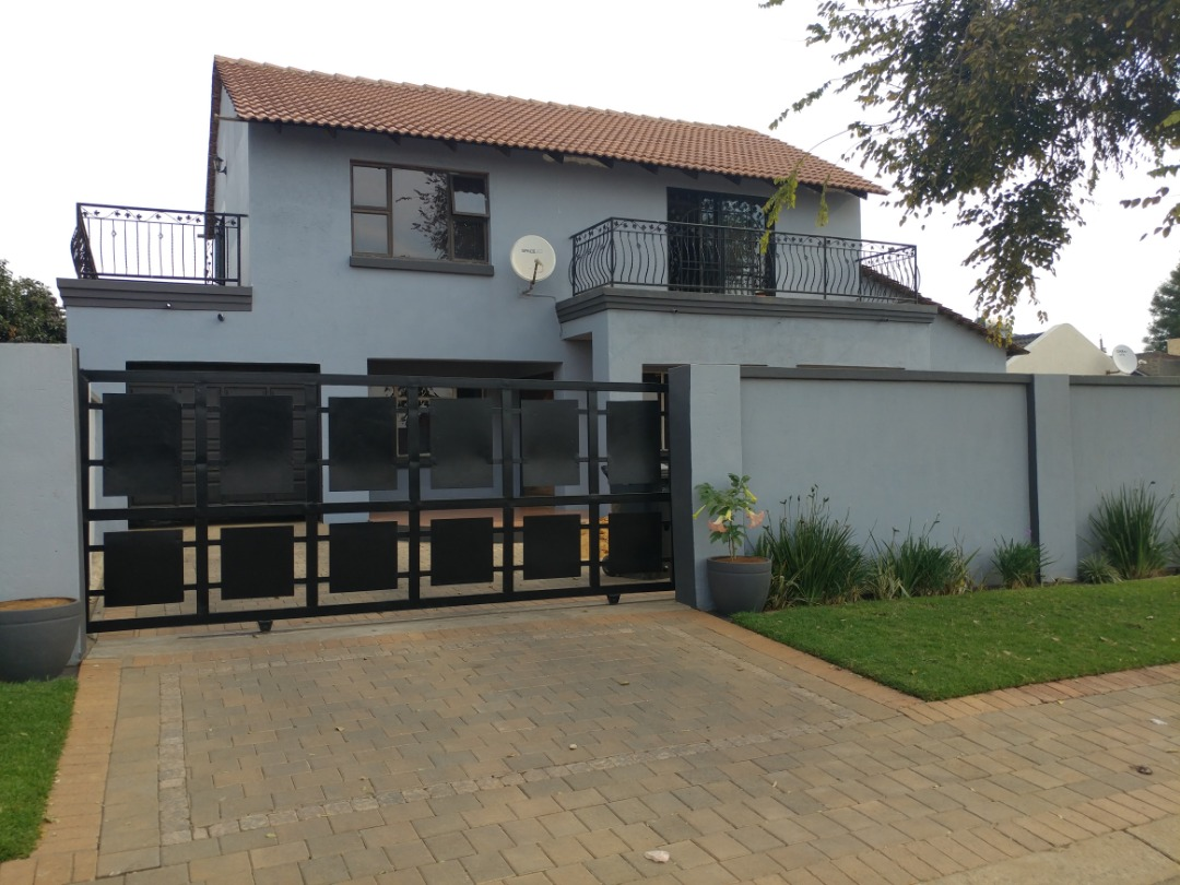 Exclusive Double Storey House
