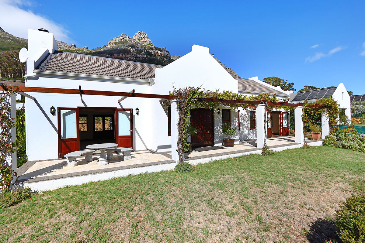 4 BedroomHouse For Sale In Hout Bay