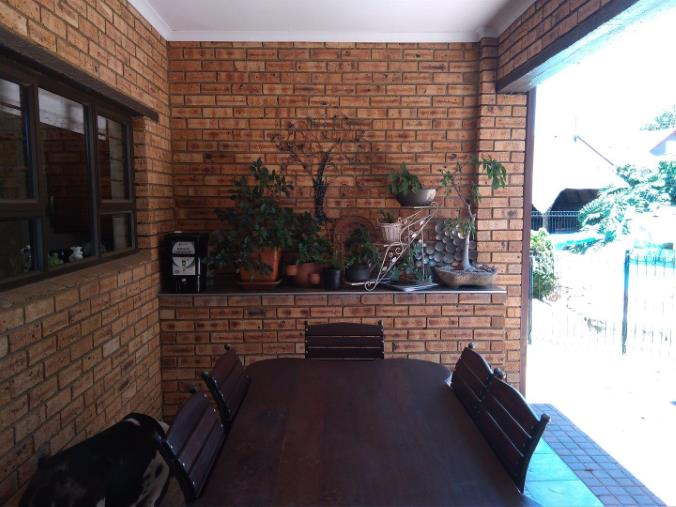 4 Bedroom House for sale in South Crest ENT0074904 : photo#0