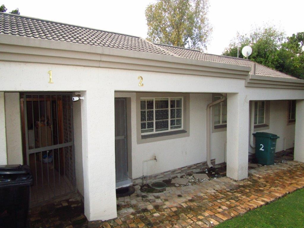 Southcrest - R870 000 Large townhouse with Private Garden