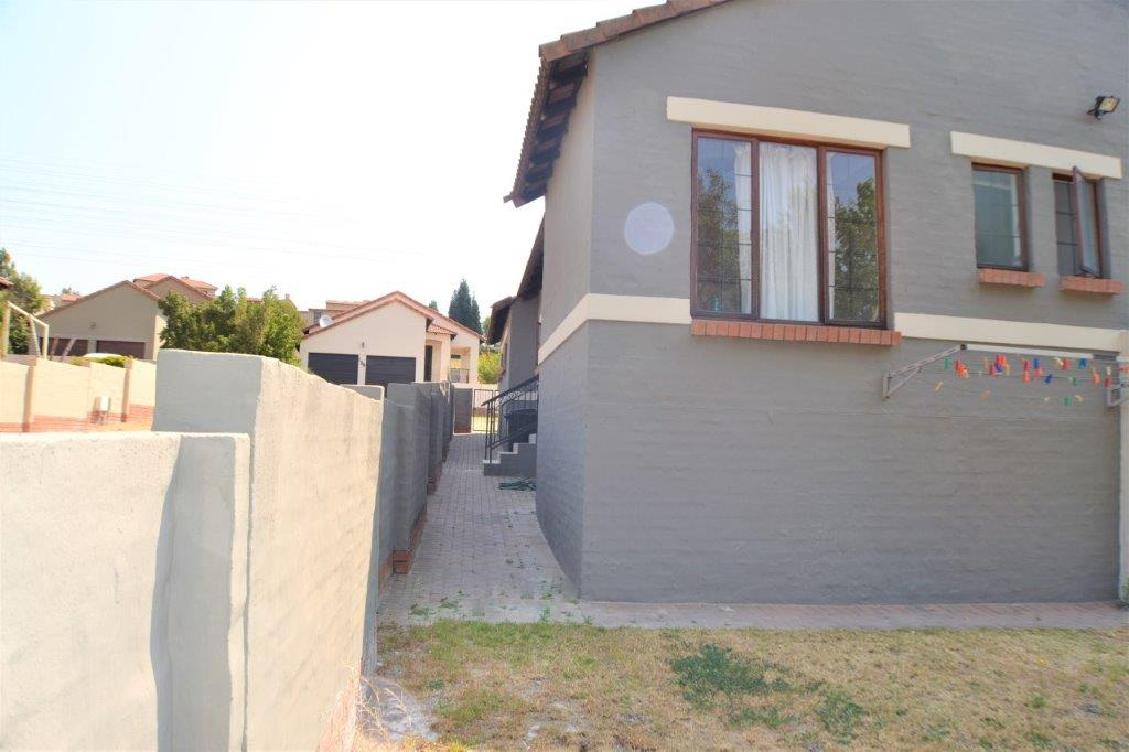 3 Bedroom Townhouse for sale in Bloubosrand ENT0082014 : photo#5
