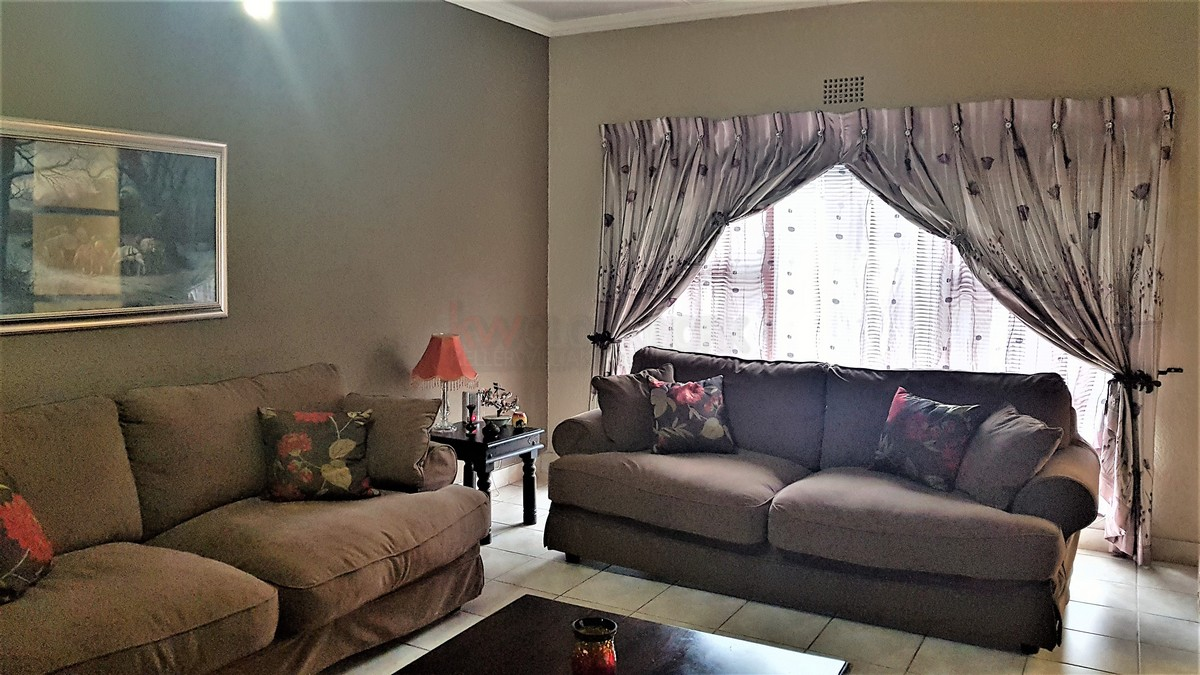 3 Bedroom House for sale in Verwoerdpark ENT0087064 : photo#10