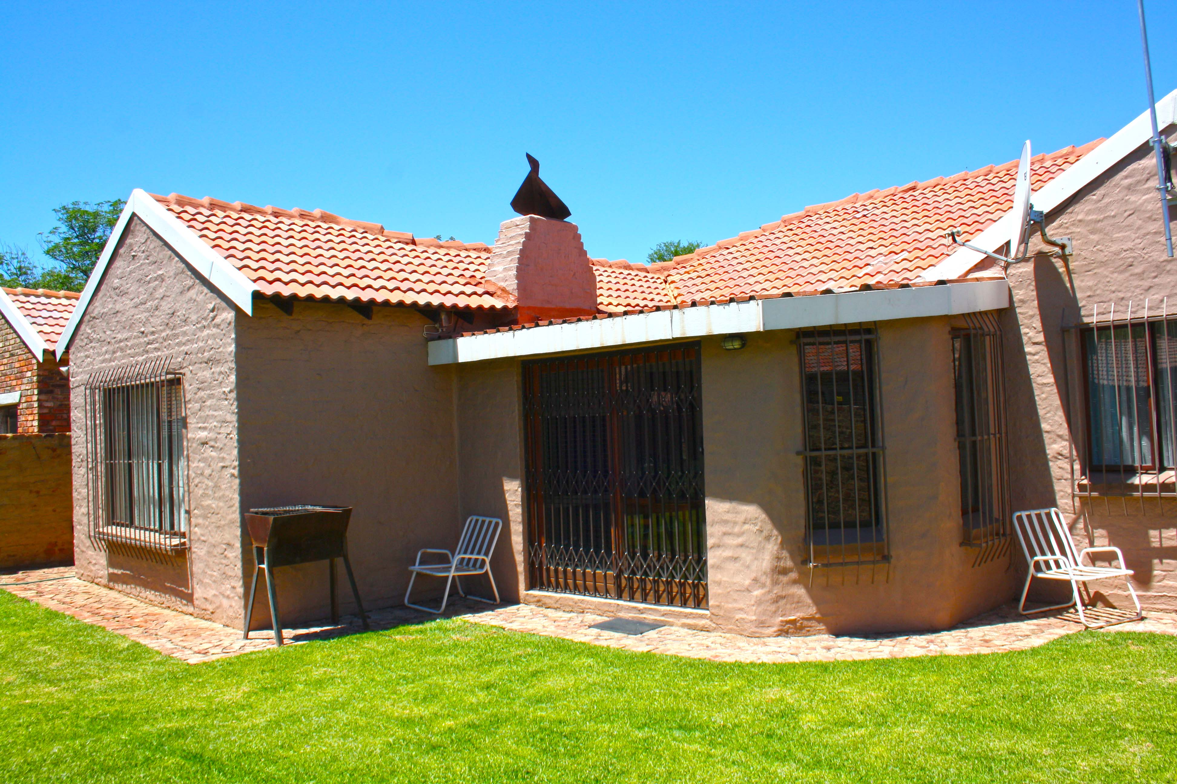 3 BedroomHouse For Sale In Mooivallei Park