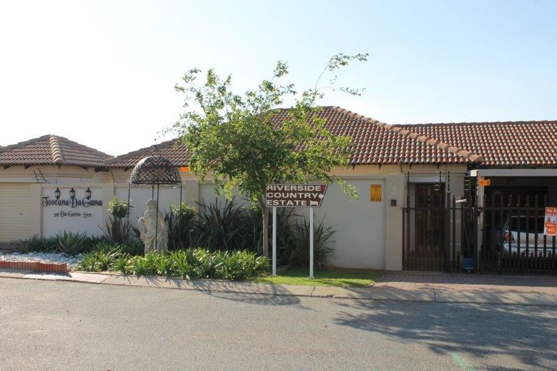 3 Bedroom Townhouse for sale in Secunda & Ext ENT0009056 : photo#1