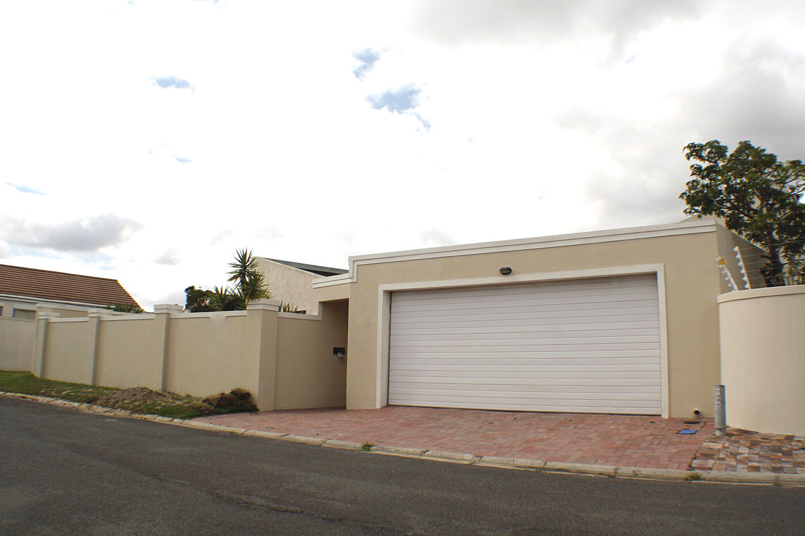 4 Bedroom House for sale in Edgemead ENT0067558 : photo#17