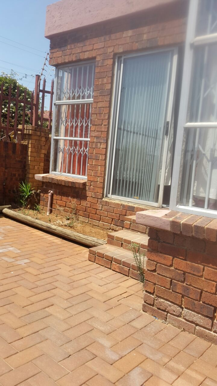 3 Bedroom Townhouse for sale in Glenvista ENT0067822 : photo#0