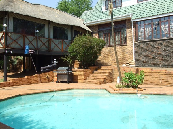 3 BedroomHouse For Sale In Kloofendal