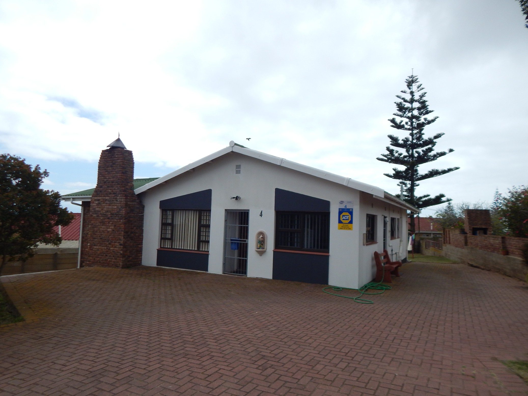 Heiderand Mossel bay 3 Bedroom 1.5 Bathroom 1 Garage