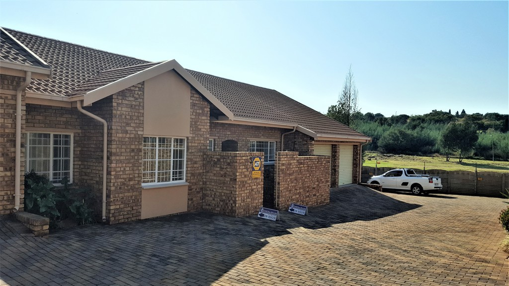 3 Bedroom Townhouse for sale in Glenvista ENT0029817 : photo#1