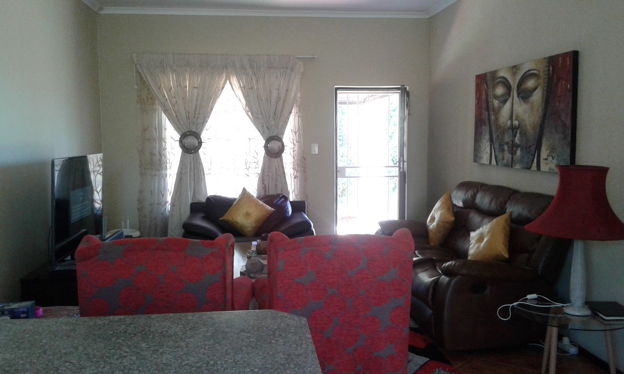 3 Bedroom Townhouse for sale in Northgate ENT0070583 : photo#2