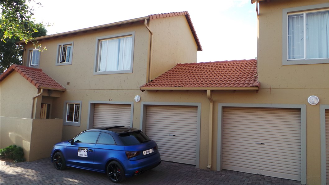 3 Bedroom Townhouse for sale in Northgate ENT0033297 : photo#1