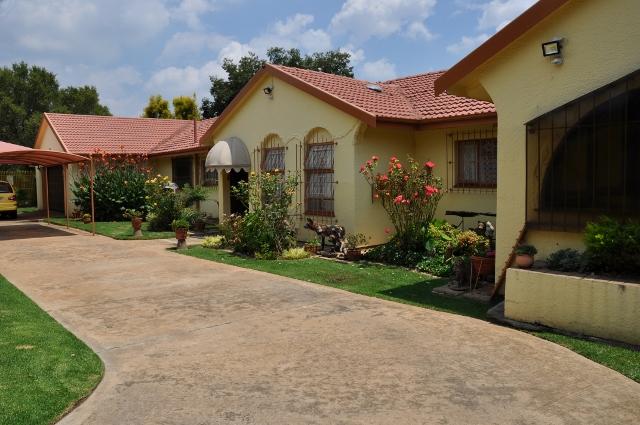 5 BedroomHouse For Sale In Eden Glen