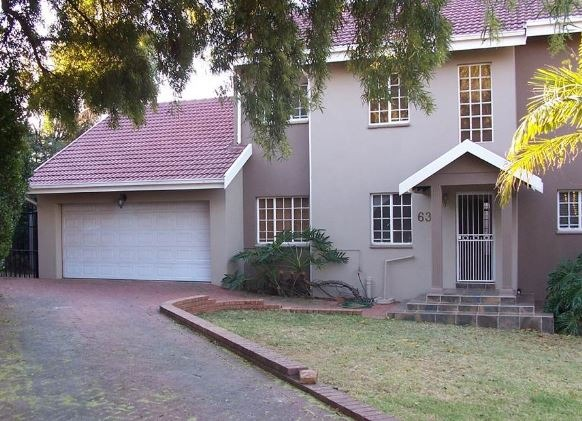 4 Bedroom home with inside braai room +  pool