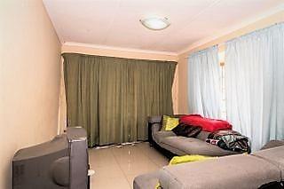 Fixer upper 2 bedroom Simplex above road level
