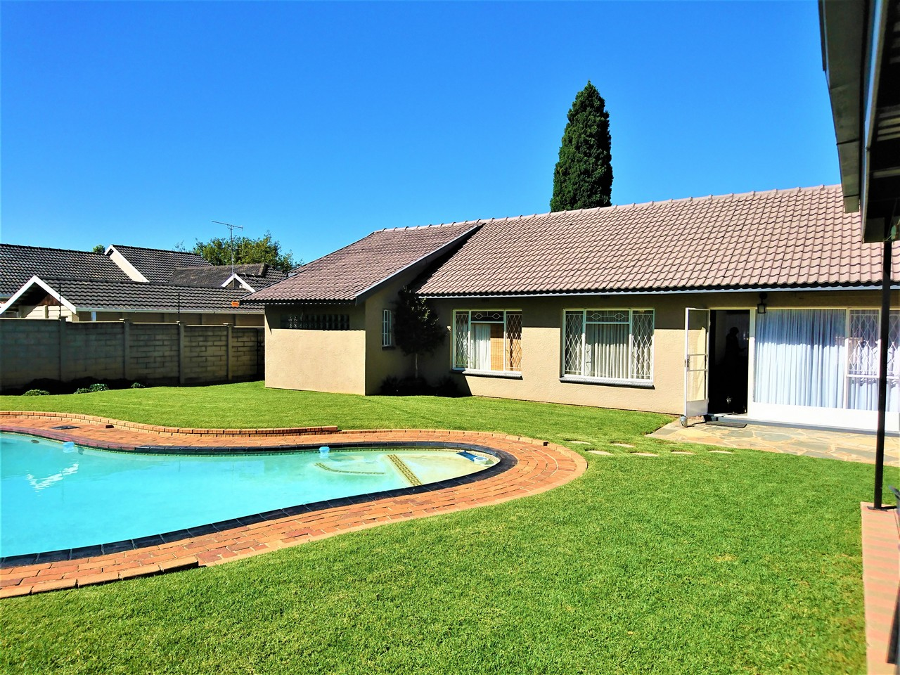 3 Bedroom House for sale in Brackendowns ENT0031078 : photo#0