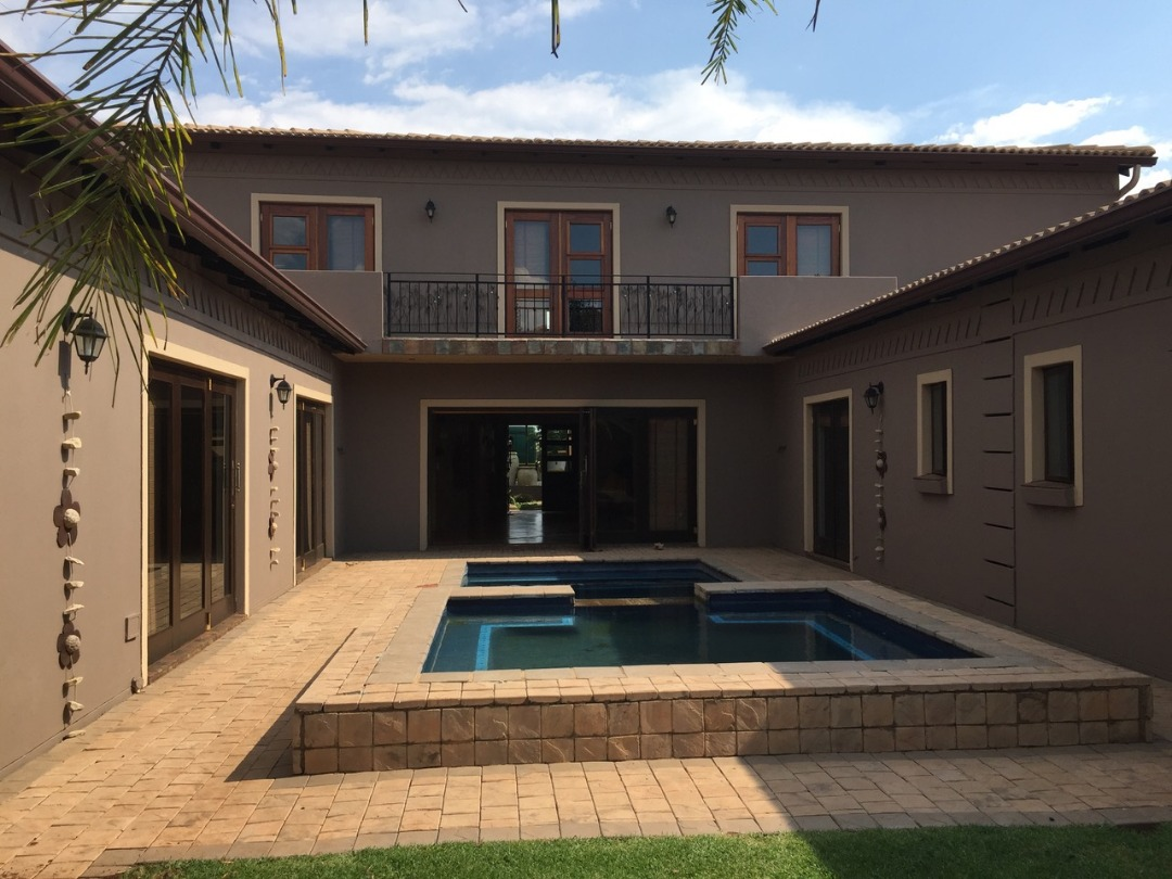 5 Bedroom home in Secure Midfield Estate