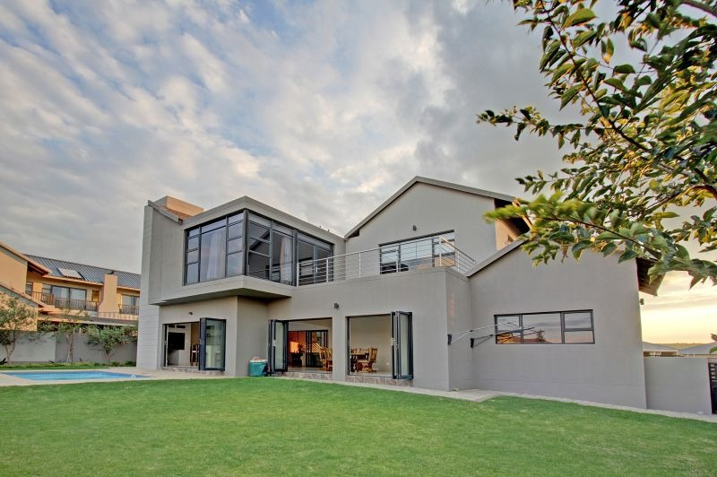 Exceptional & beautifully presented home