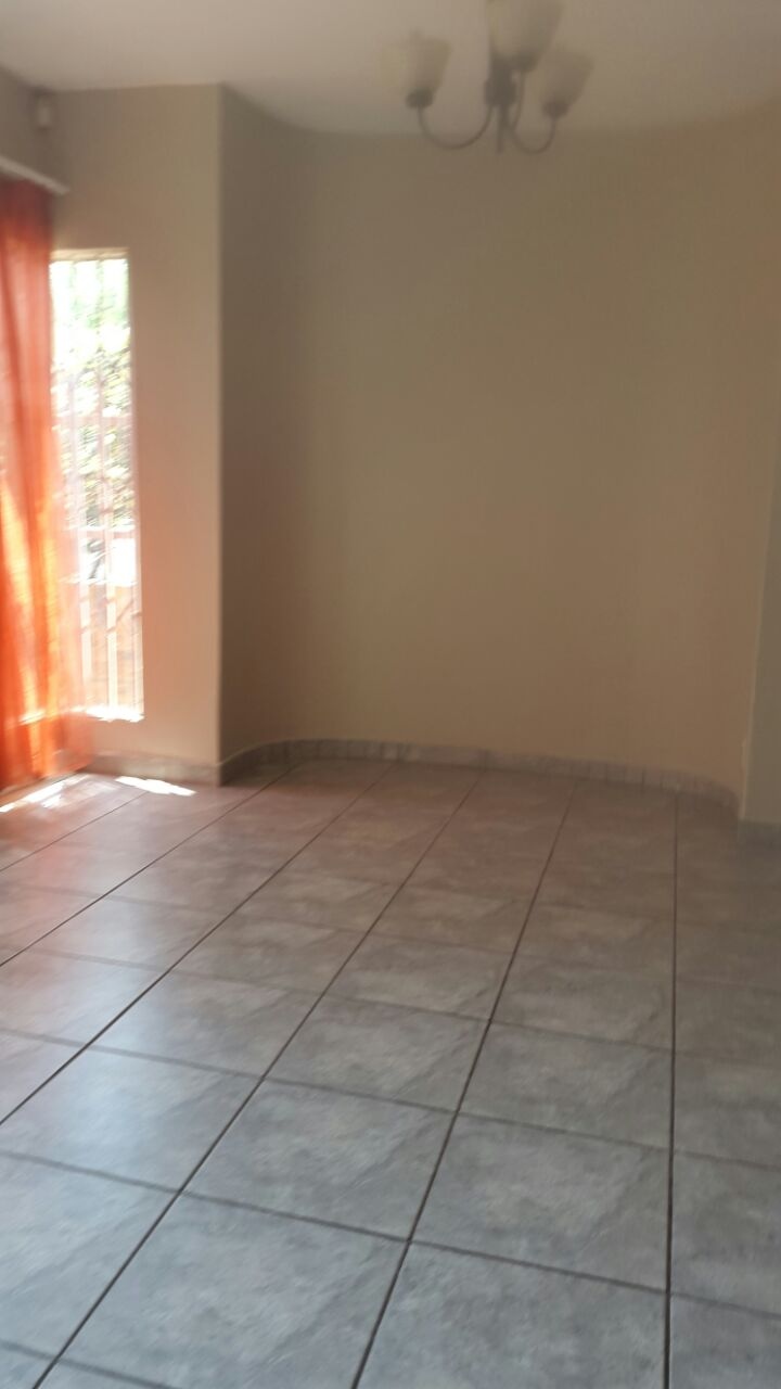 3 Bedroom Townhouse for sale in Glenvista ENT0067822 : photo#10