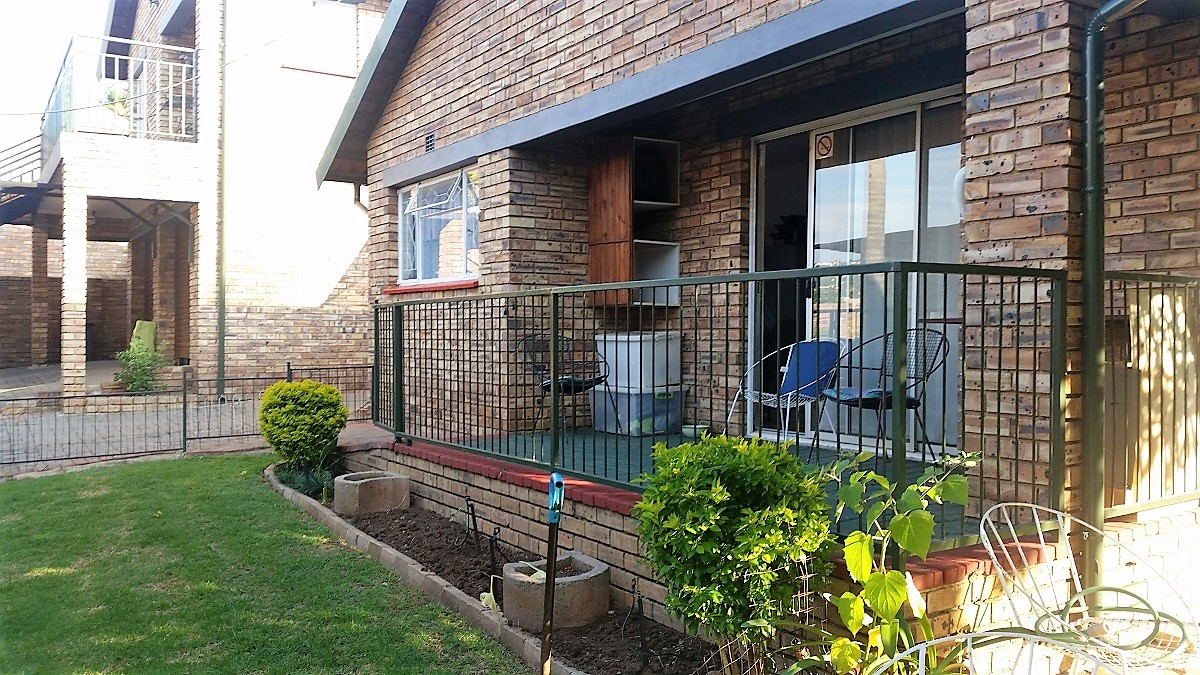 3 BedroomHouse For Sale In Rangeview Ext 4