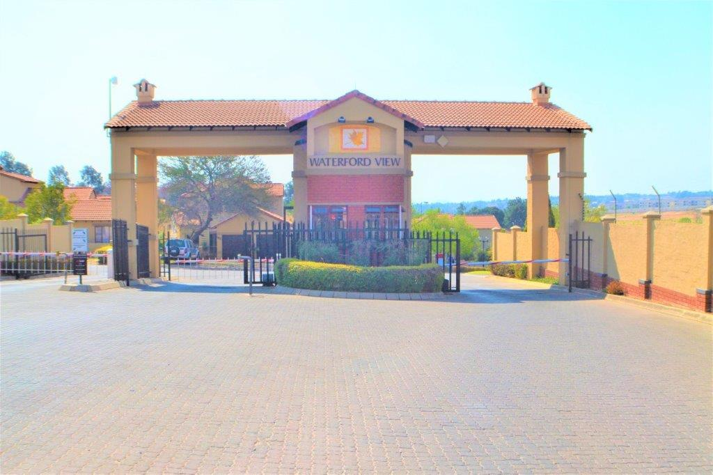 3 Bedroom Townhouse for sale in Bloubosrand ENT0082014 : photo#23
