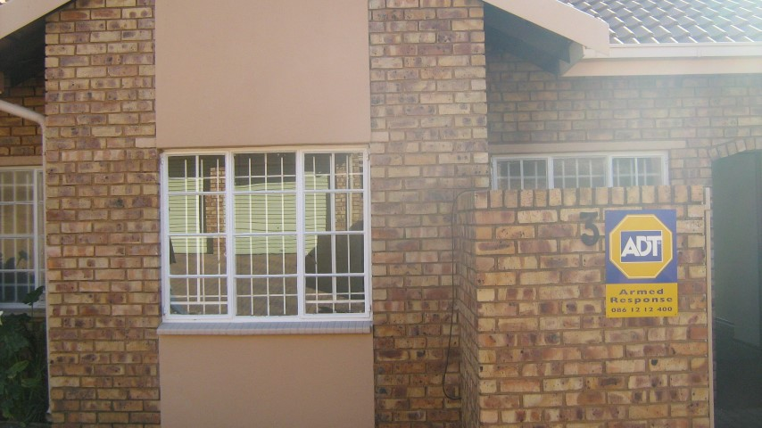 3 Bedroom Townhouse for sale in Glenvista ENT0032070 : photo#2
