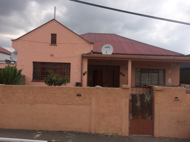 3 BedroomHouse For Sale In Troyeville