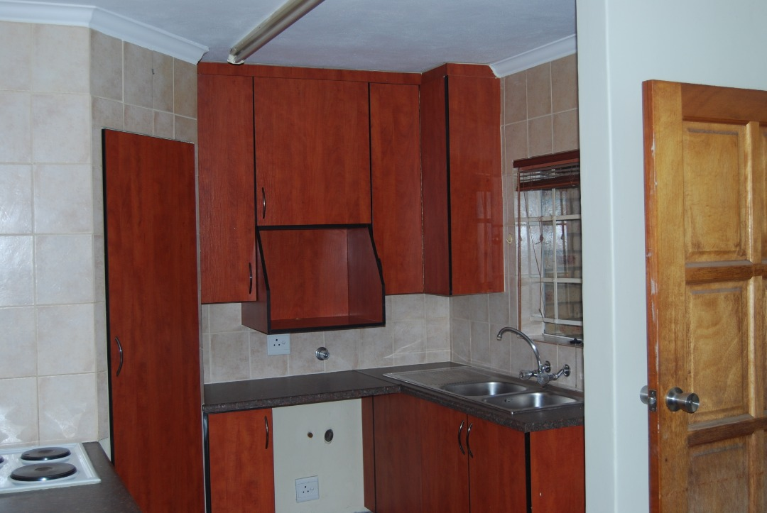 Ground Floor Unit 2 Bed Spacious Garden