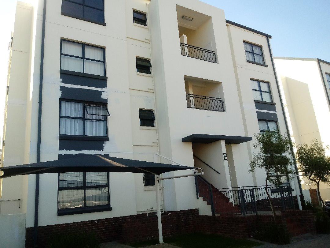 Top Floor Modern 2 Bedroom Apartment in Greenstone Ridge Greenstone Hill