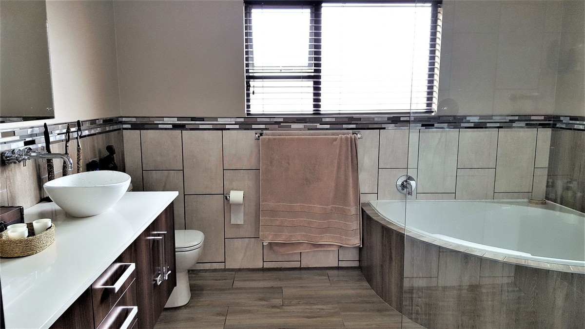 4 Bedroom House for sale in Randhart ENT0080568 : photo#18