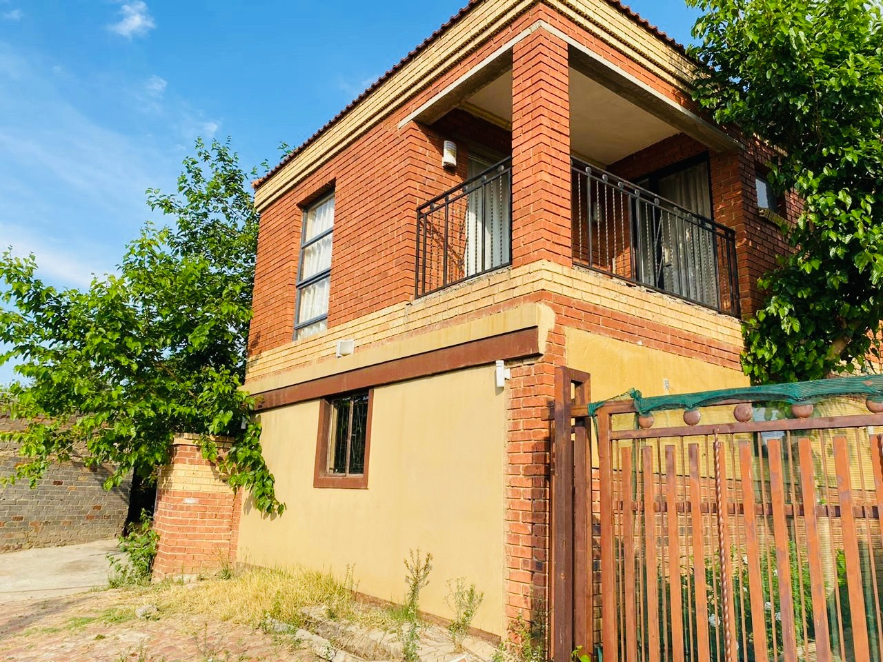 3 Bedroom house for Sale -Cosmo City