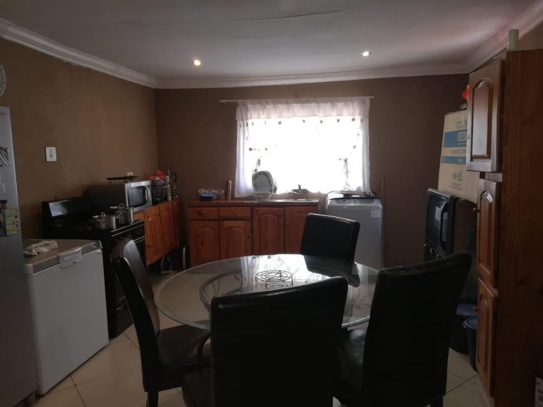 3 Bedroom Family House in Mahube Valley