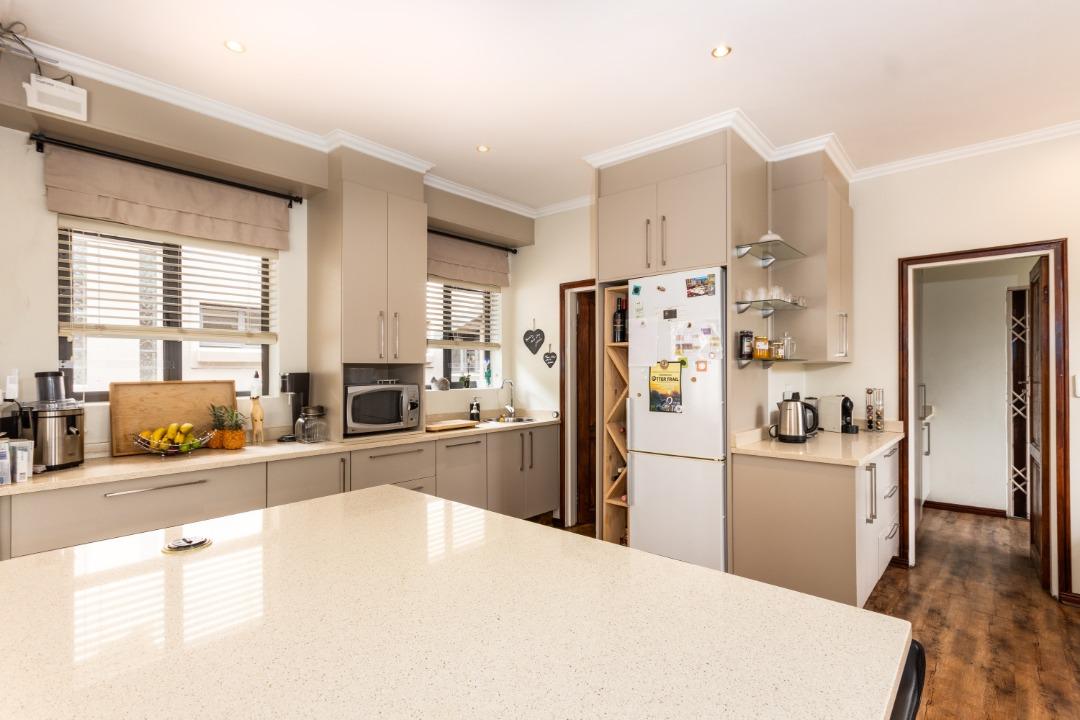 kitchen and breakfast nook.jpeg